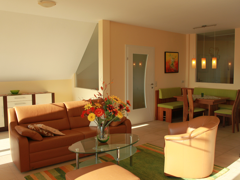 wohnung f r verw hnte ferienzimmer fruhmann. Black Bedroom Furniture Sets. Home Design Ideas